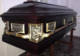 sicriu-boston-pieta-mahon-oradea-servicii-funerare-apusul-non-stop-pompe-funebre-completa-sicrie-delux
